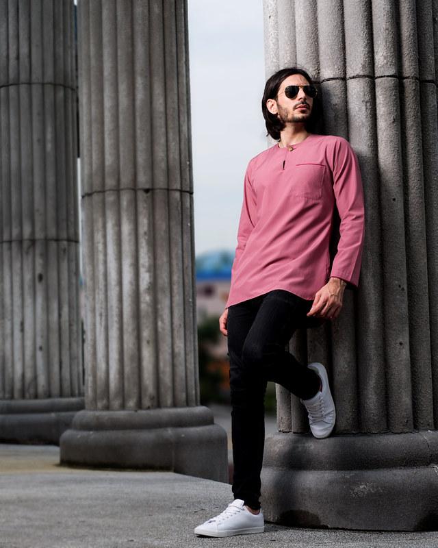 kurta-teluk-belanga-outdoor-pose-dusty-pink