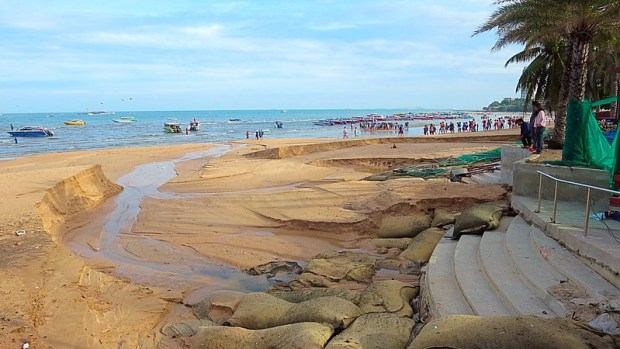 Storms smash Pattaya beach