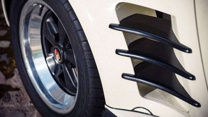 1985-porsche-911-turbo-se8