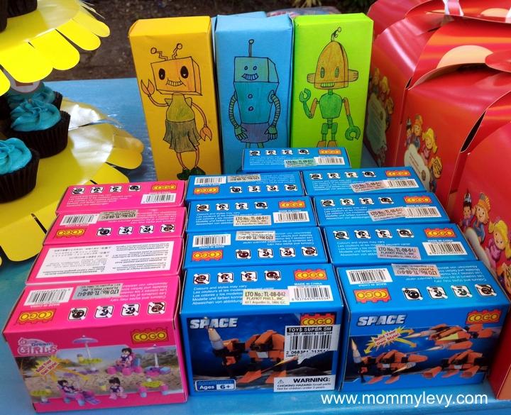 Robot Party 8_zpsr5pfiocd