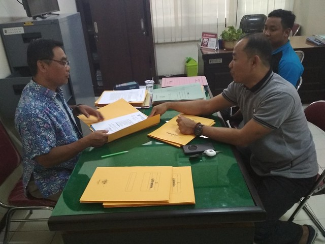 KERJASAMA: KPU meminta data LSM dan Ormas di Bakesbangpol kemarin (8/9)