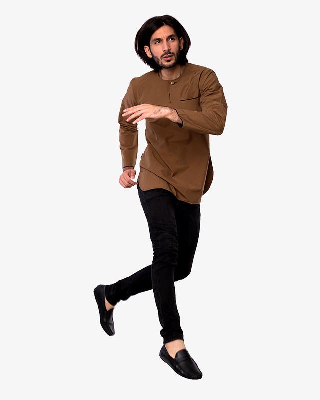 kurta-teluk-belanga-indoor-soft-brown-pose