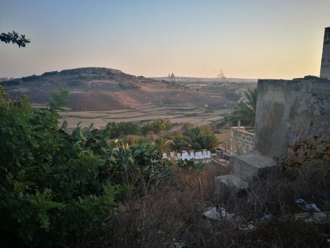 Xagħra to Ramla Bay