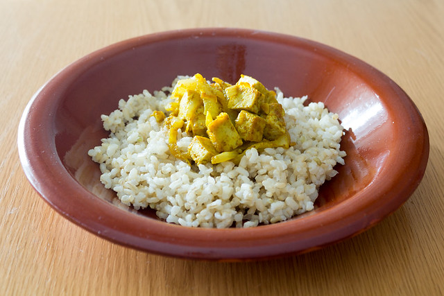 Tofu a la moruna con arroz integral