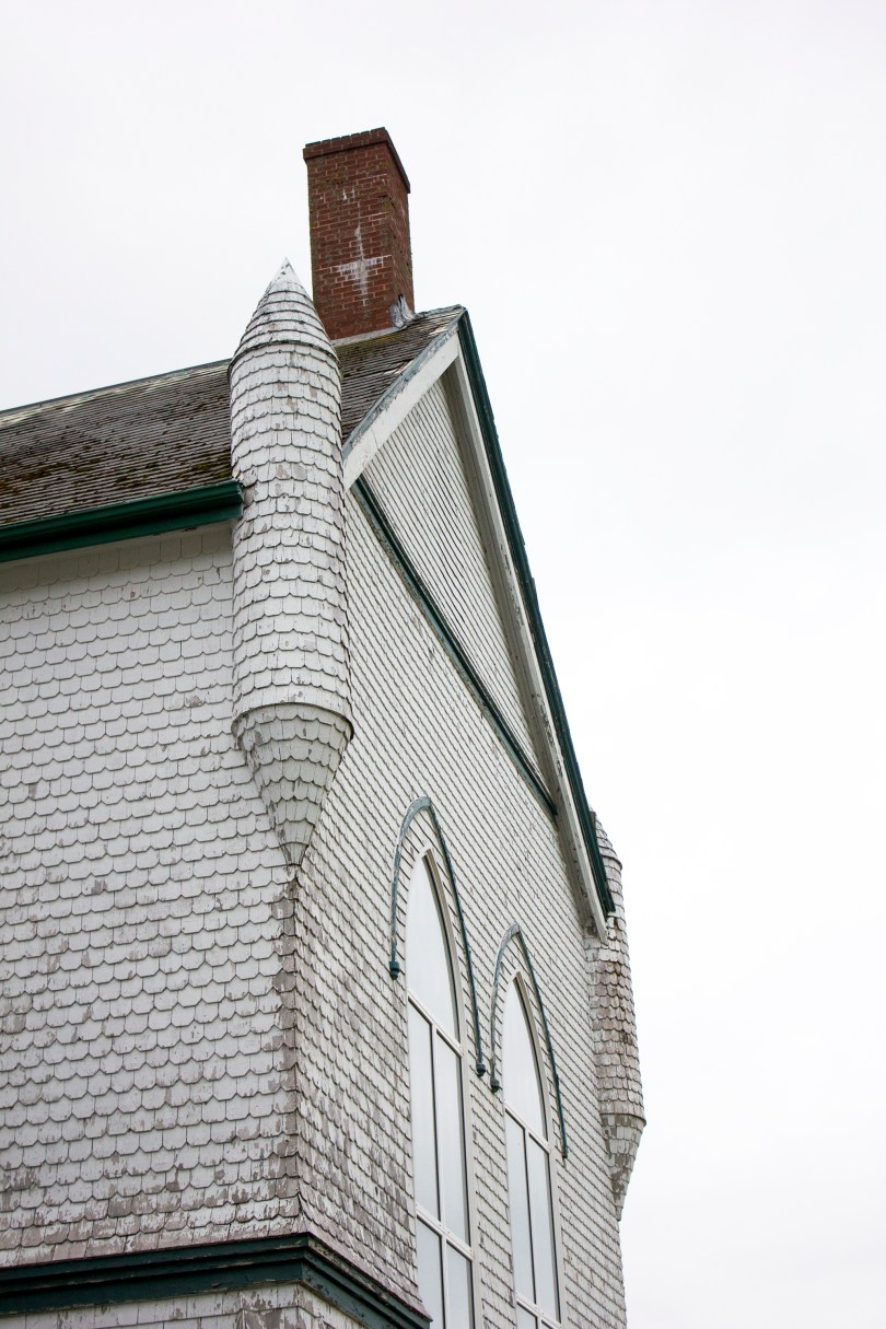 rollo-bay-abandoned-church-st-alexis-pei-chimney