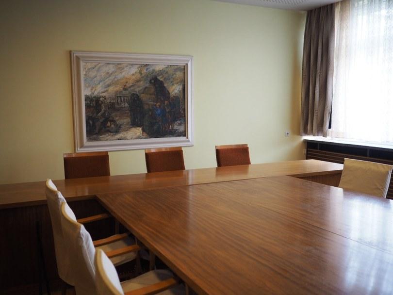 Die Kopfseite des Konferenzzimmers