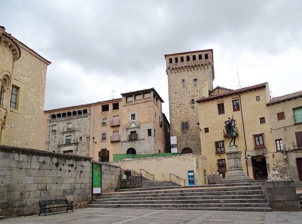 Segovia Plaza de Medina del Campo 03