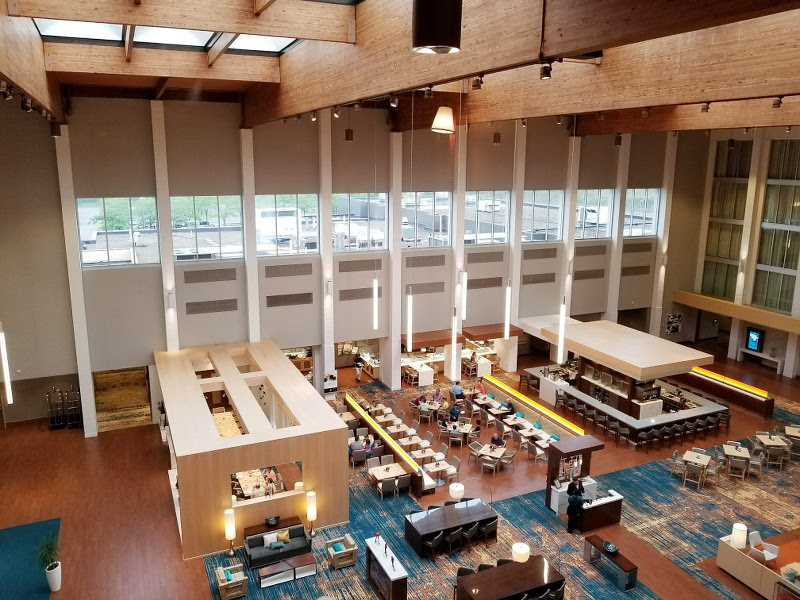 doubletree-hilton-cranberry-ember-and-vine-restaurant-1