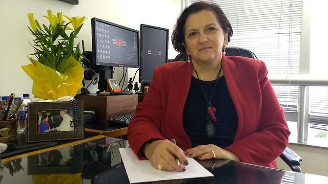 Em seu gabinete, juíza fala sobre o encarceramento e a política de drogas - Créditos: Juliana Gonçalves
