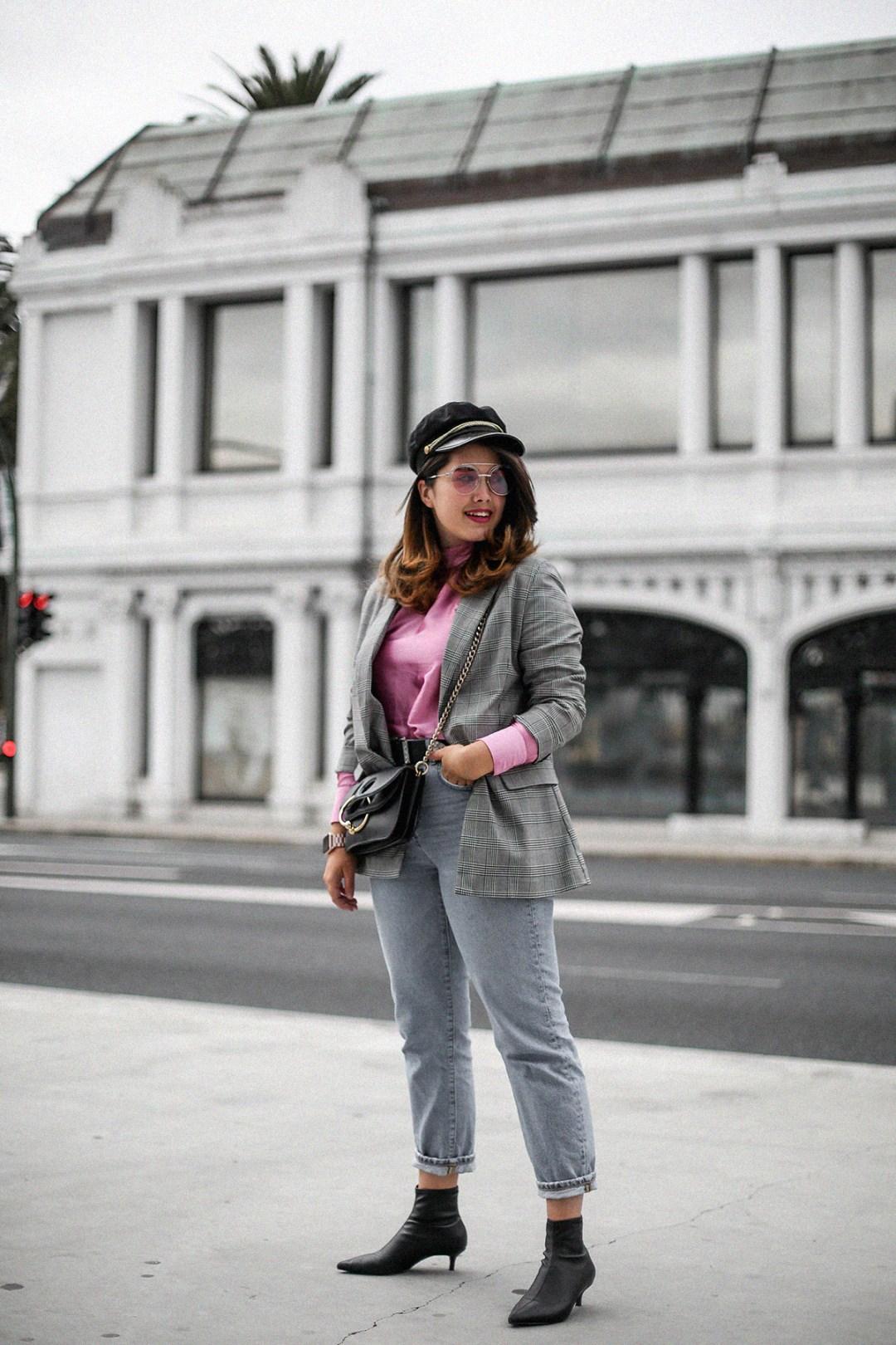 blusa con hombreras rosa asos look back to 80s-5