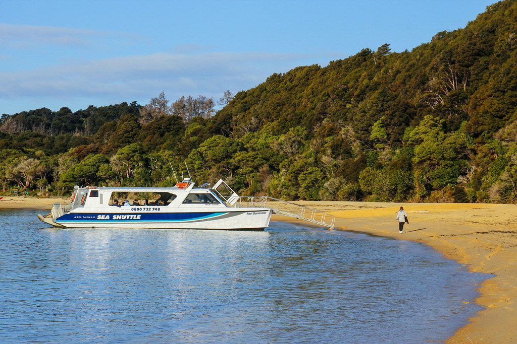 Sea shuttle Abel Tasman