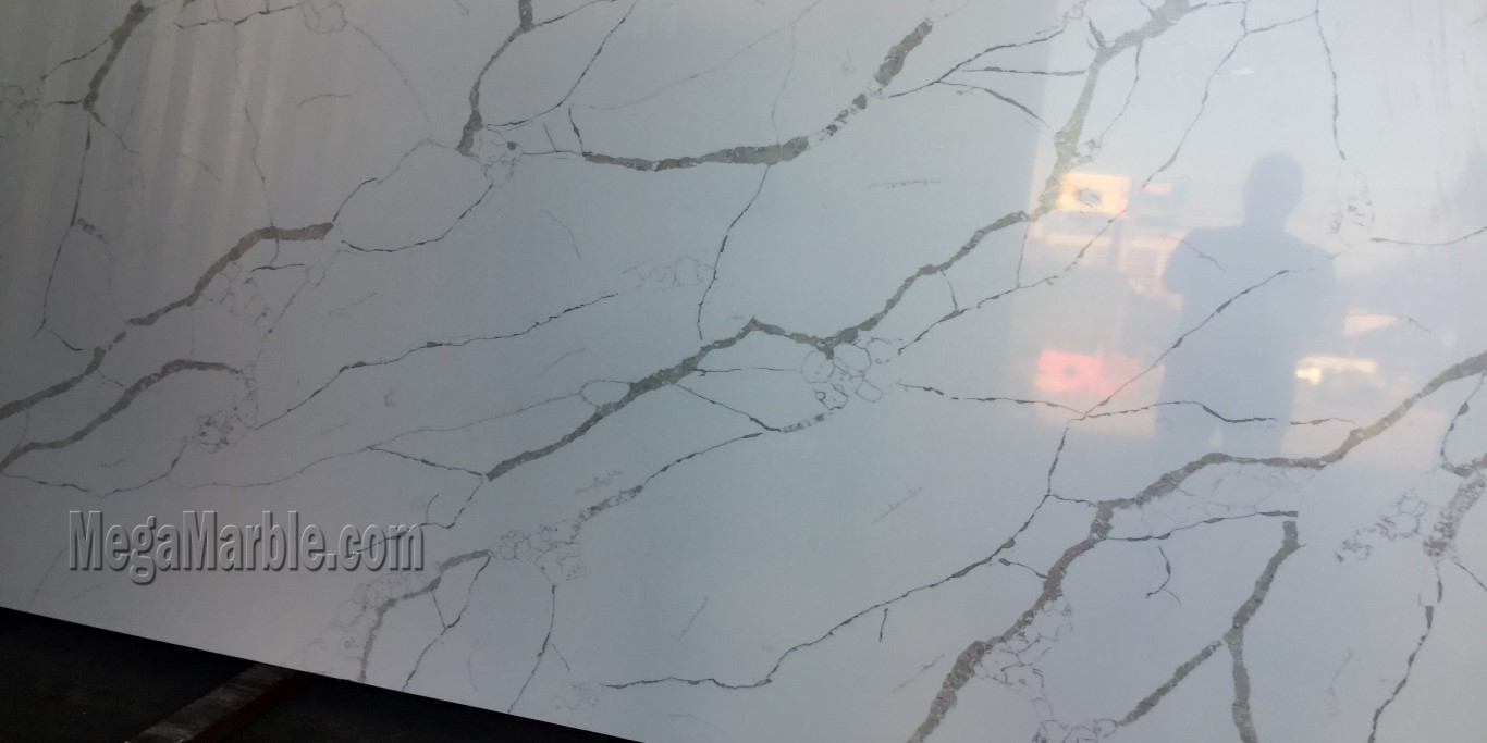 Quartz countertops that look like Calacatta marble 133