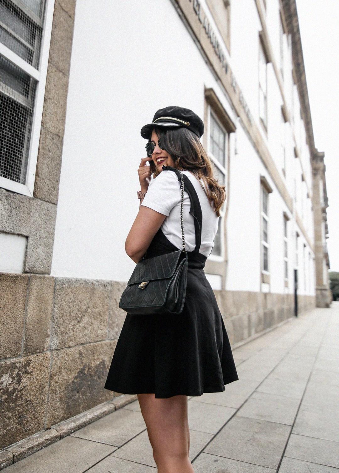 vestido-negro-casual-botines-militares-como-combinarlo8
