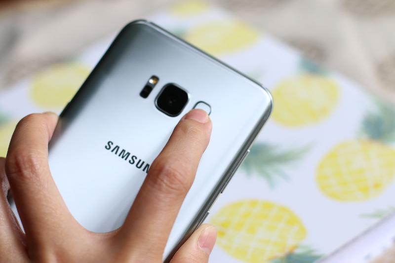 samsung-galaxy-s8+-back-fingerprint-censor-5