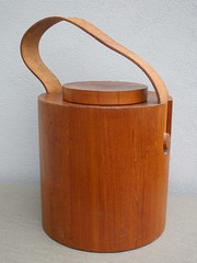 Large Danish Nissen Teak Drum Ice Bucket & Leather Carrying Strap Mid Century Modern