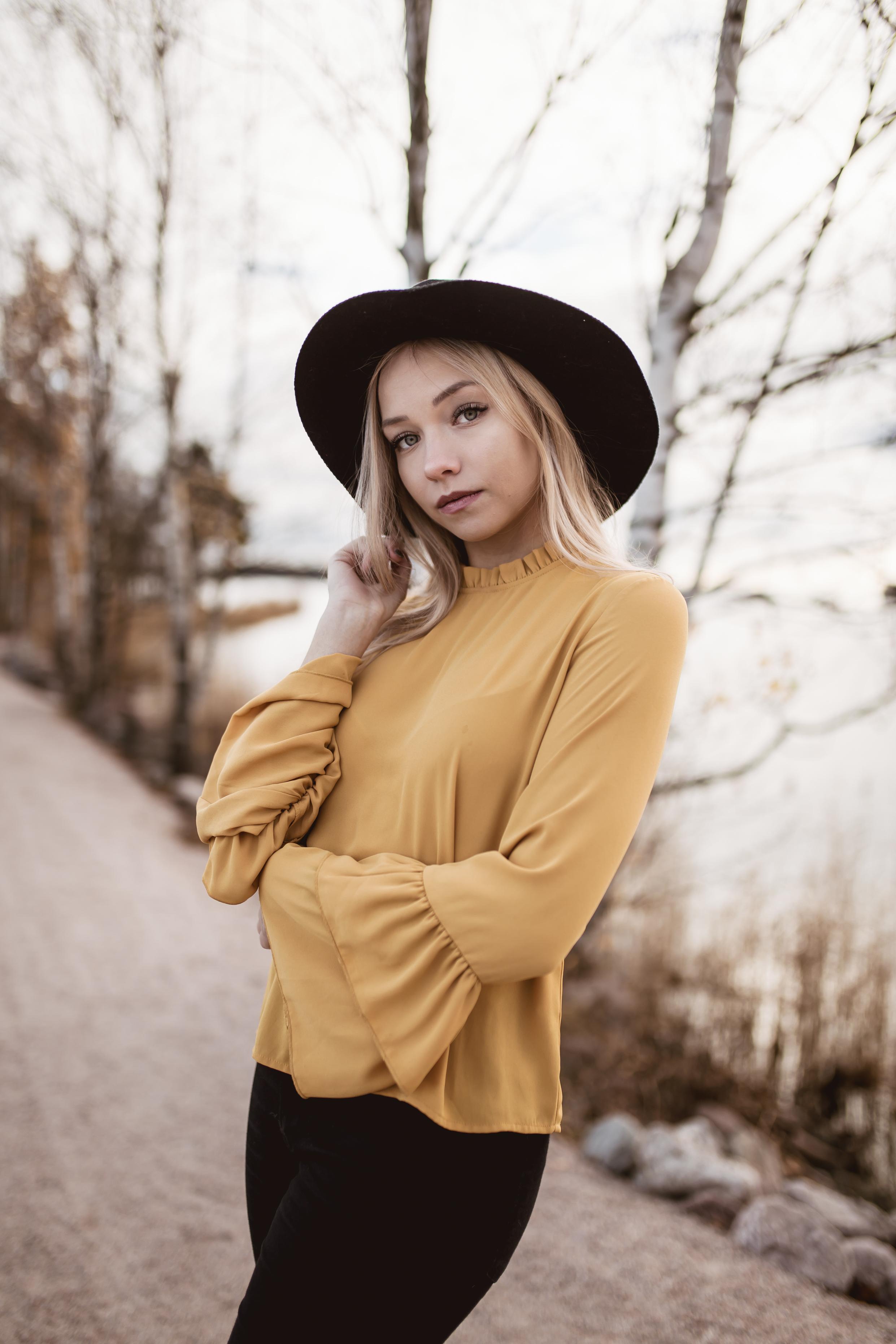 keltaiset röyhelöt