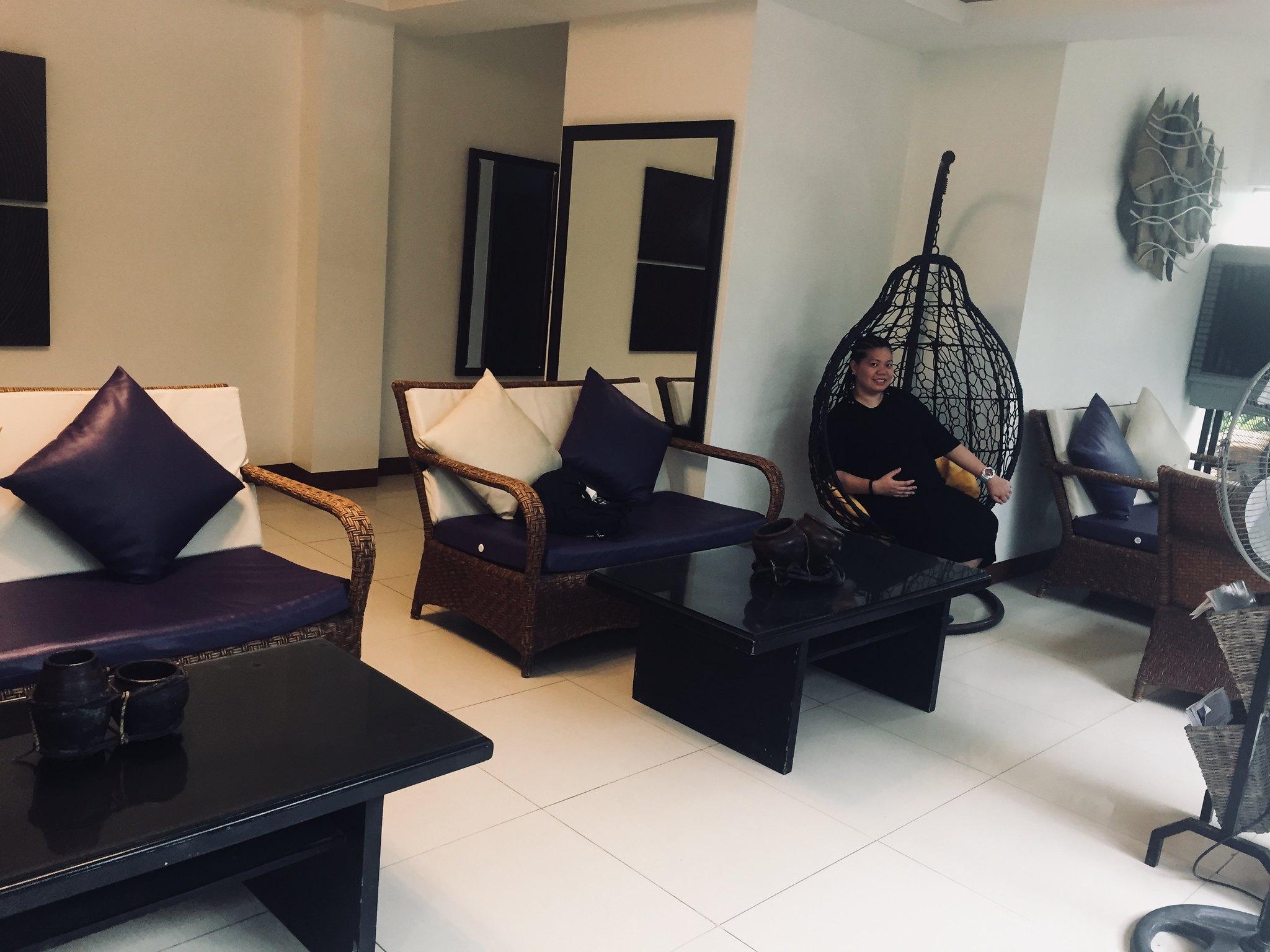 Sur-Beach-Resort-lobby-seats