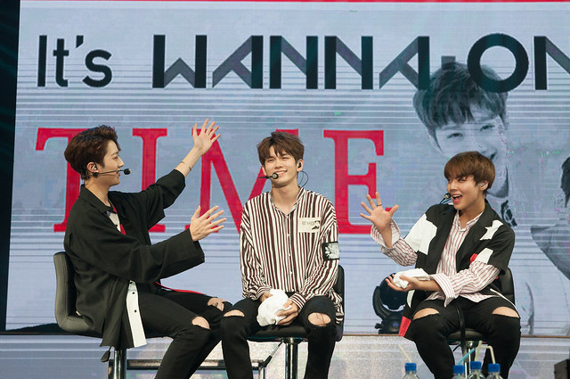 WANNA ONE 'WANNA BE LOVED' 1st Fan Meeting in Singapore 4