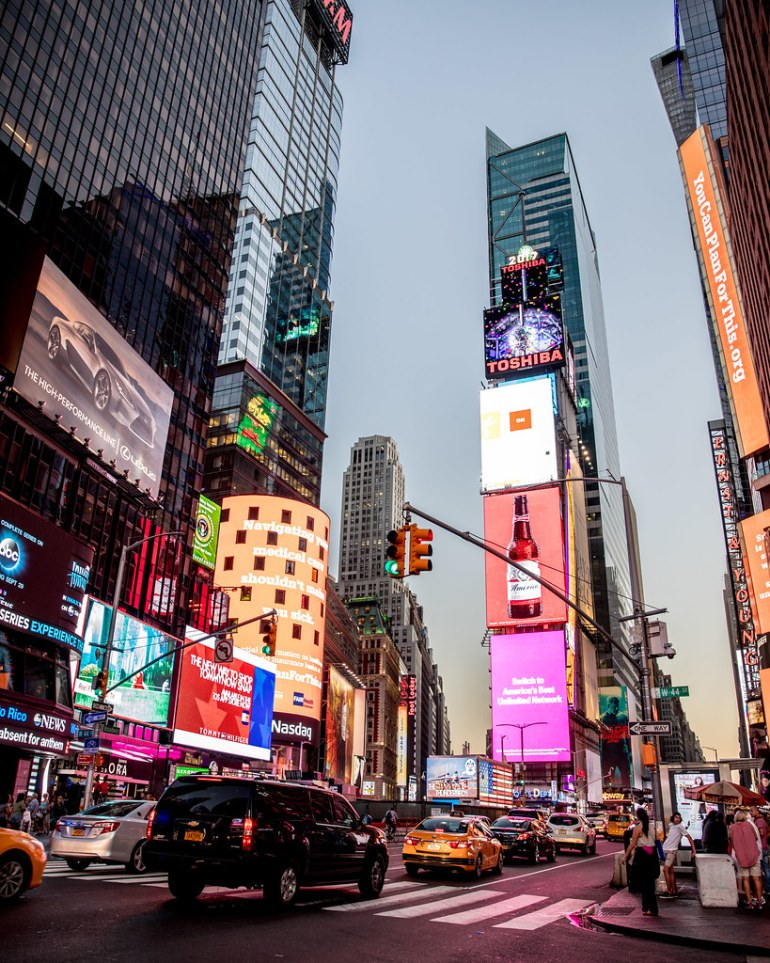 10 free things to do in new york city wanderlustyle for Times square new york things to do