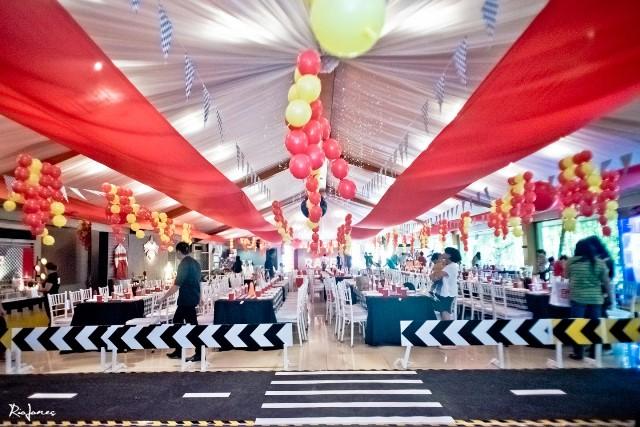 race car theme party ceiling