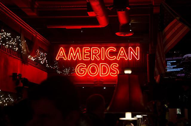 American-Gods-bar-NYCC-2017-Oct-2017-col-pic#1
