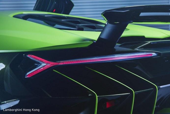 lambo-centenario-all-green-hongkong-7