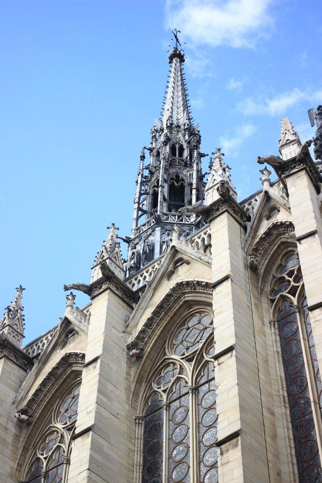Sainte Chapelle plus belle église magnifique de Paris