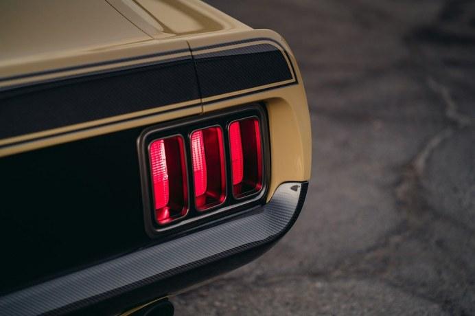 Ford-Mustang-Boss-302-SpeedKore-8