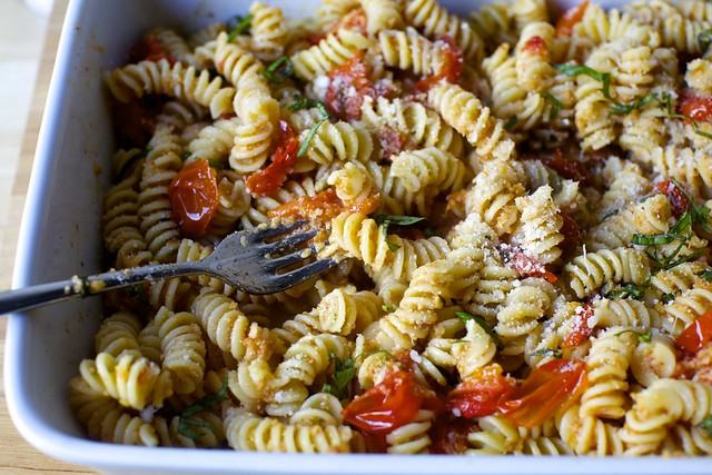 fusilli with baked tomato sauce