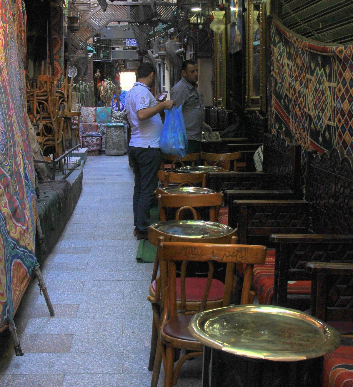 al fishawy is the oldest cafe in Cairo