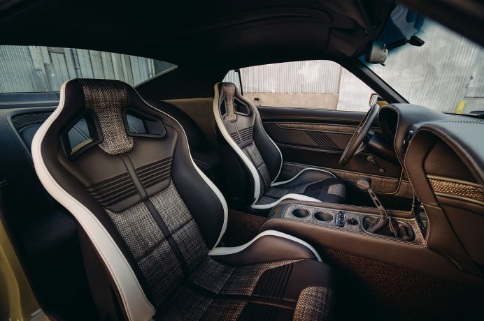 Ford-Mustang-Boss-302-SpeedKore-3