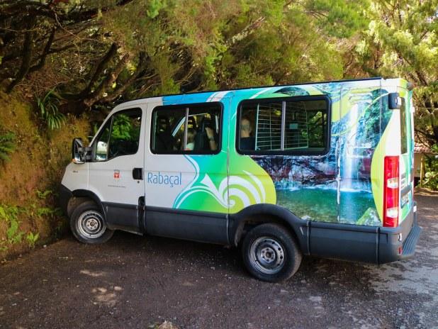 Transporte hacia las levadas en Madeira