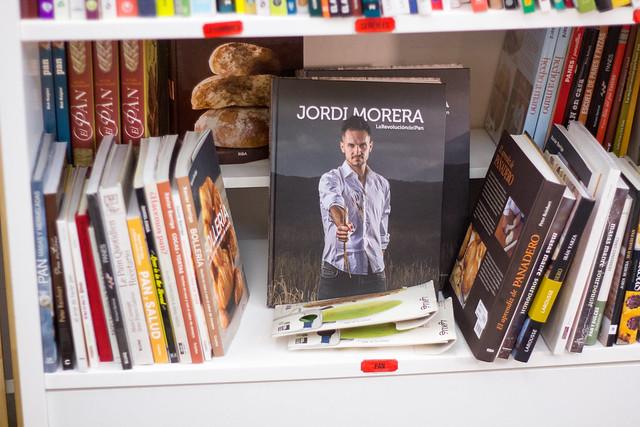 Esta Biblia panarra de Jordi Morera caerá por Navidad