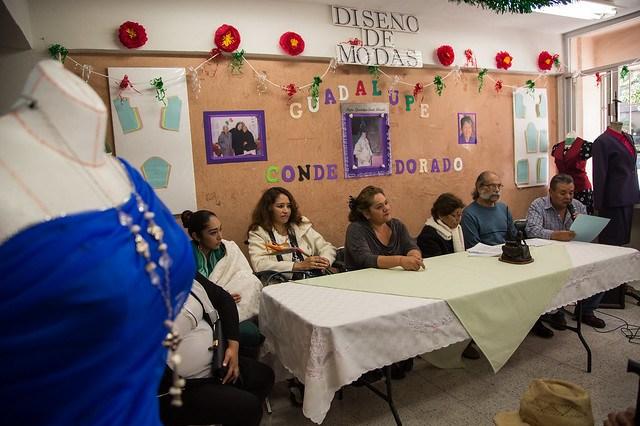 Conmemoran a costureras del predio de San Antonio Abad a 32 años del sismo de 1985