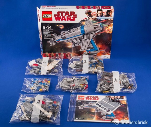 Lego Star Wars 75188 Resistance Bomber From The Last Jedi Review