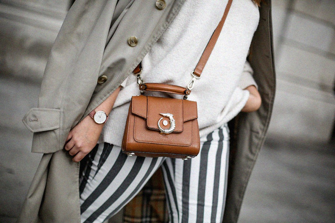 pantalones-de-rayas-pull&bear-streetstyle-lovy-bag-trussardi5