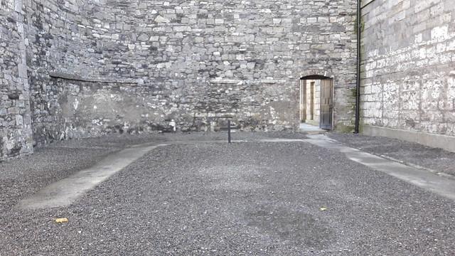 Vista del patio de ejecuciones en Kilmainham Gaol