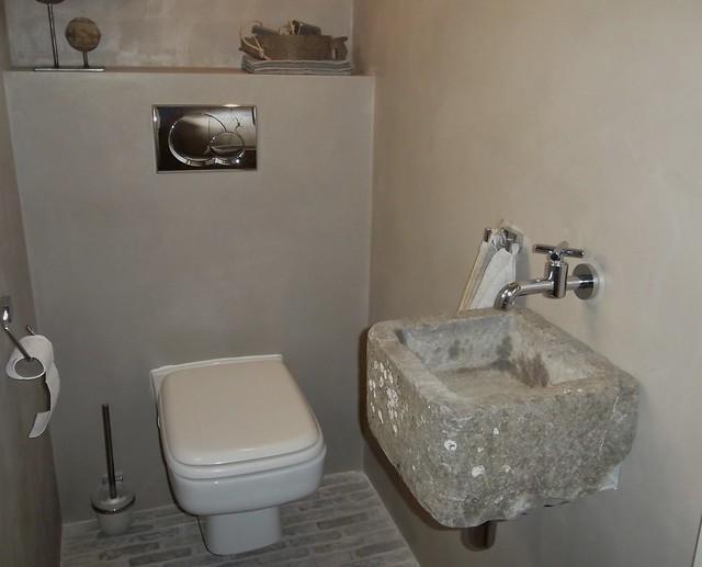 Toilet sober landelijke stijl