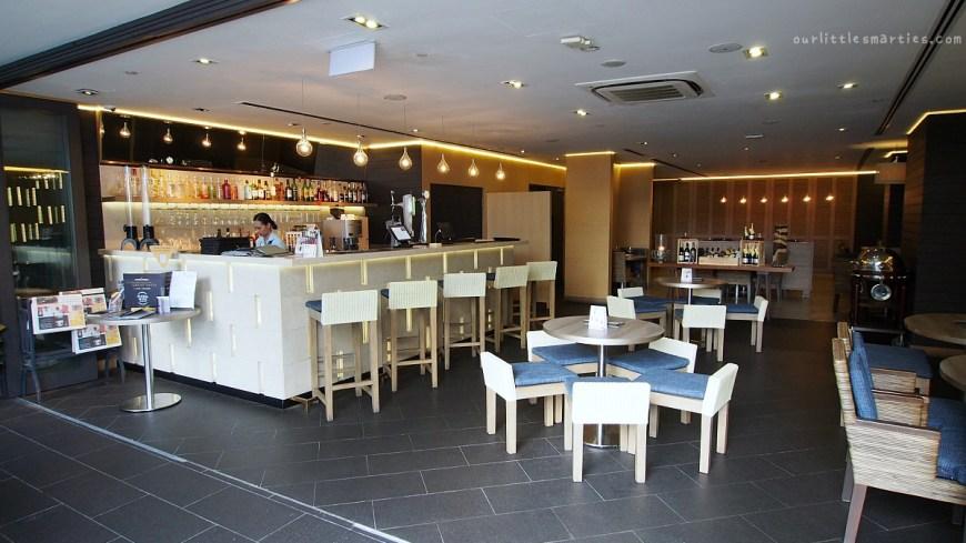 Breez Bistro Bar