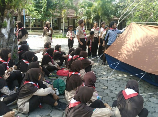 Gladian Pinru Wapinru SMP Bustanul Makmur Genteng Banyuwangi