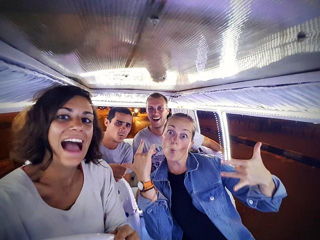 Avec Mathieu et Hortense dans les voitures fluo de Yogyakarta
