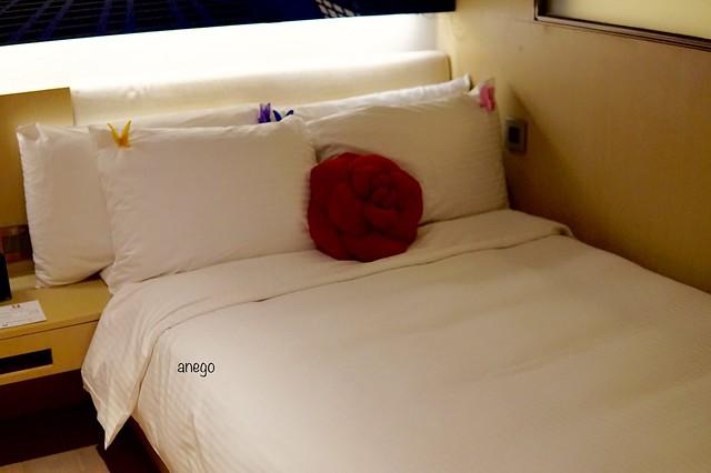バタフライ ウォーターフロント ベッド