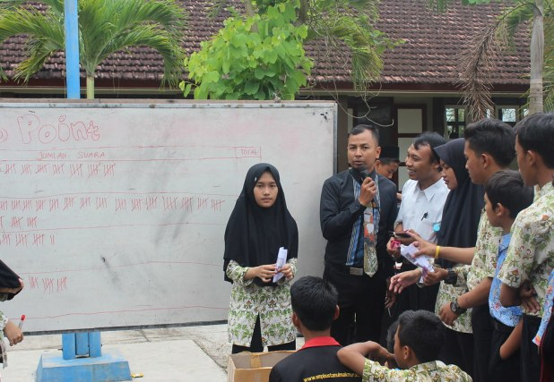 Penghitungan Suara Pemilu Raya OSIS SMP Bustanul Makmur Genteng