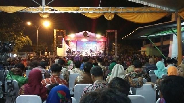 Suasana saat launching tahapan pilkada Kota Kediri di GOR Jayabaya kemarin (27/11)