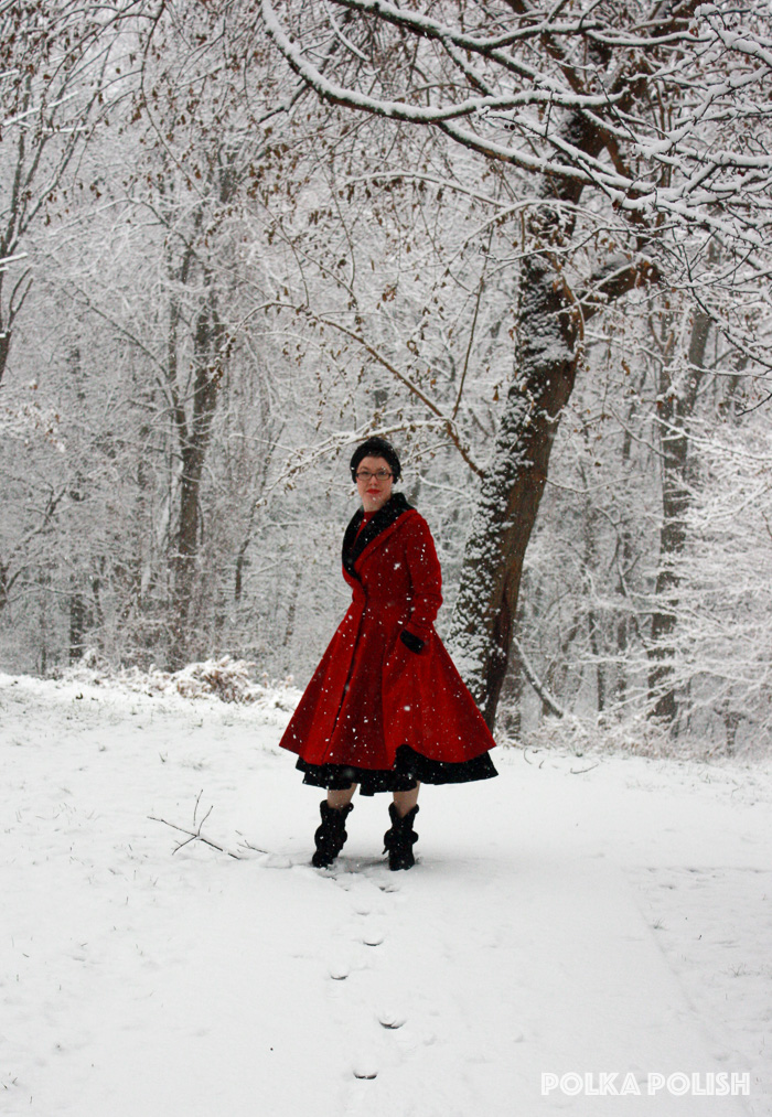 winter-snowstorm-red-black-2