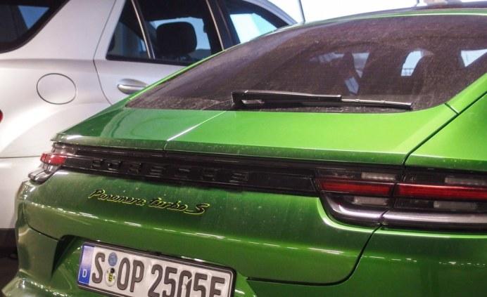 porsche-green (4)