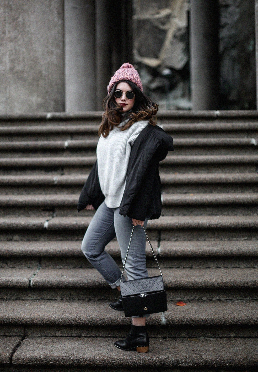 puffer-coat-grey-sweater-look-streetstyle13
