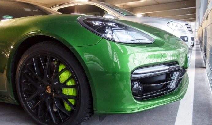 porsche-green (5)