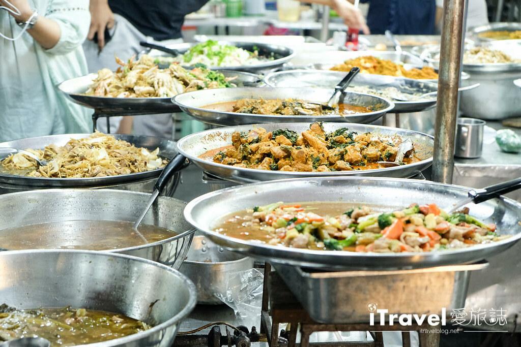 曼谷夜市推荐 查龙四夜市Chok Chai 4 Night Market (9)