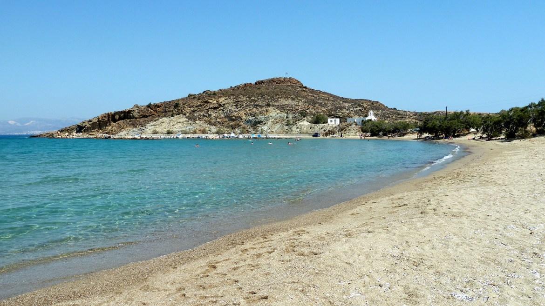 · Molos, una de las mejores playas de Paros·